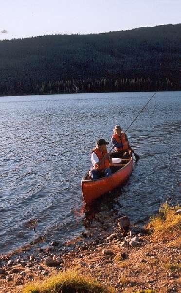 canoe on 4.of july lake 372x600