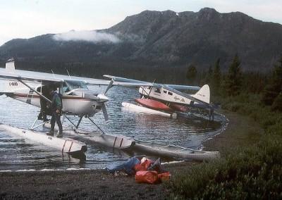 canoe.im.bergsee.mit.flieger.600